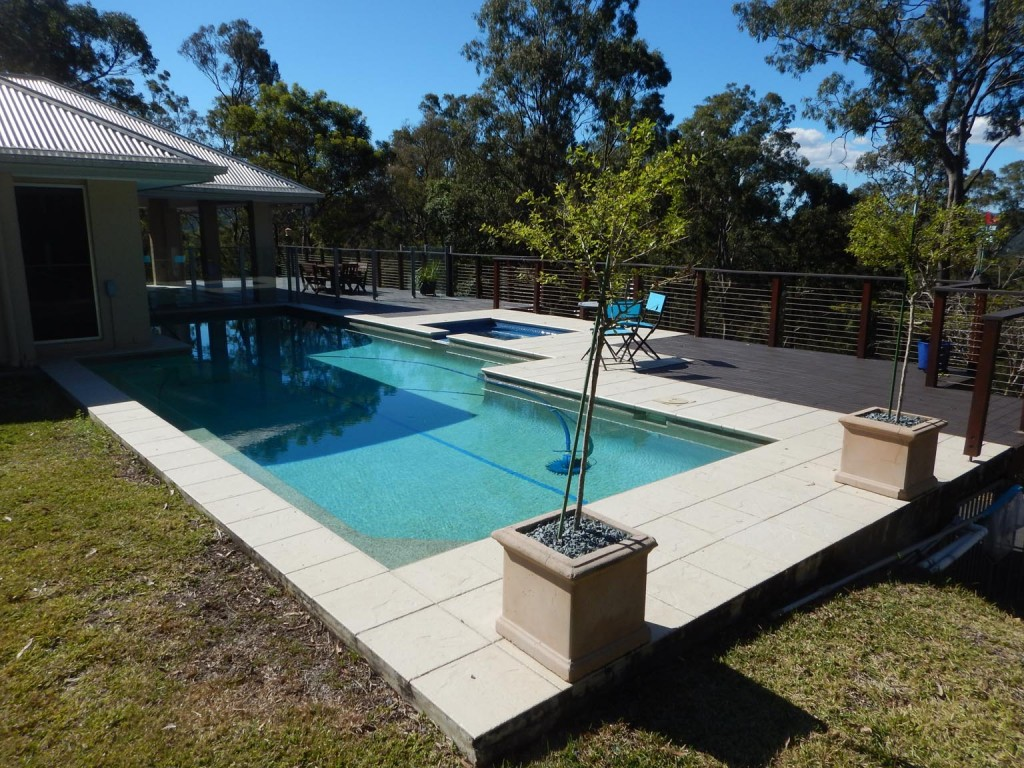 Swimming pool inspections awebbco - Fibreglass swimming pool bond beam ...